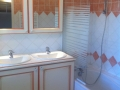 marina-bay-france-cogolin-villa-location-salle-de-bain02